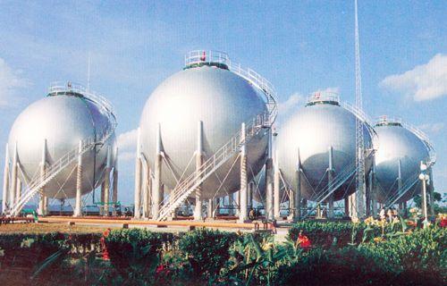四川的高压天然气储气球罐