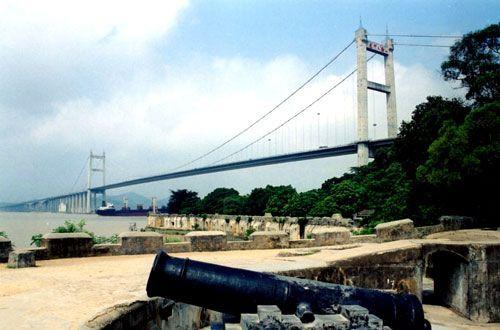 """横跨珠江口的""""虎门大桥"""""""